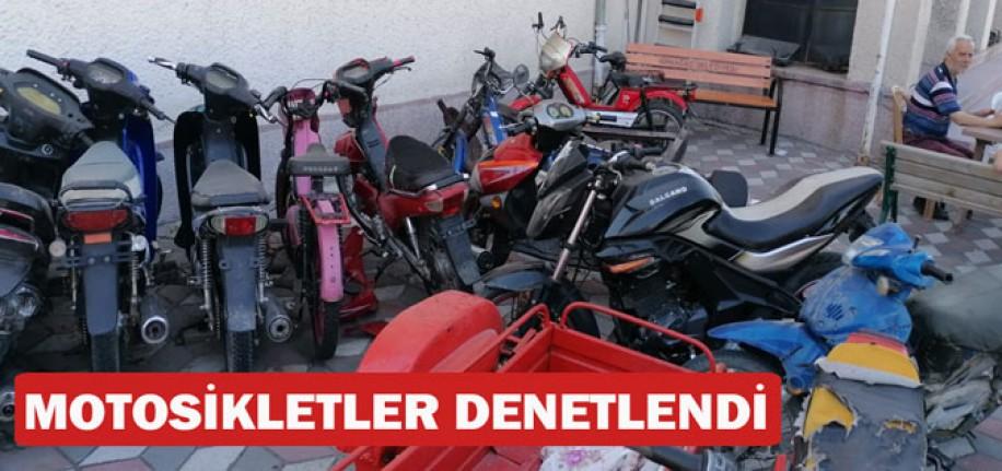 KIRKAĞAÇ'TA POLİS TESCİLSİZ MOTOSİKLETLERİ TOPLADI