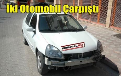 Kırkağaç'ta Kaza.2 Otomobil Çarpıştı
