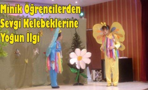 Miniklerin Tiyatro Sevgisi(VİDEO)