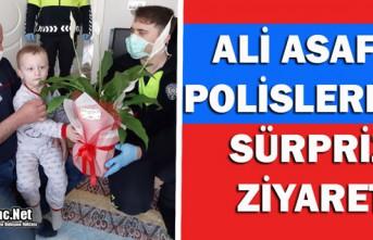 ALİ ASAF'A POLİSLERDEN SÜRPRİZ ZİYARET