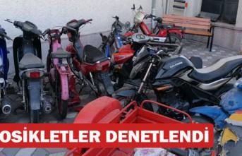 KIRKAĞAÇ'TA POLİS TESCİLSİZ MOTOSİKLETLERİ...