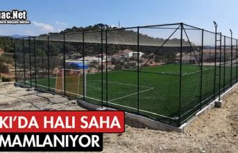 ALİFAKI'DA HALI SAHA TAMAMLANIYOR