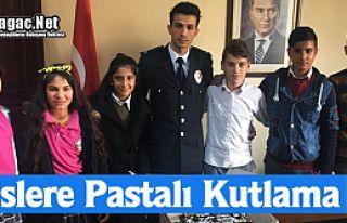 POLİSLERE PASTALI KUTLAMA